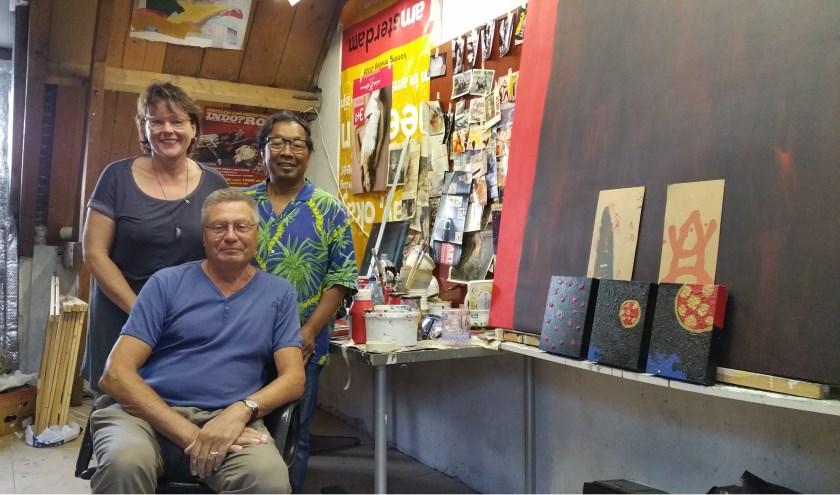 Het organiserend comité. Staand: Wilma de Groot en John Muller. Zittend: Doede Holtkamp. TEKST EN FOTO: THEO RIETVELD