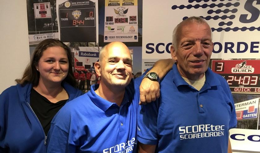 Scoretec maakt scoreborden voor sportverenigingen. In Nederland hebben ze 400 borden staan.