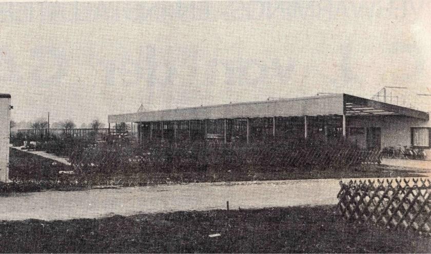 In november 1972 ging op de nieuwe locatie Brand's Tuincentrum 'Klein Aalsmeer' open. Dit centrum stond op de plek waar tegenwoordig de parkeergelegenheid van Intratuin is.