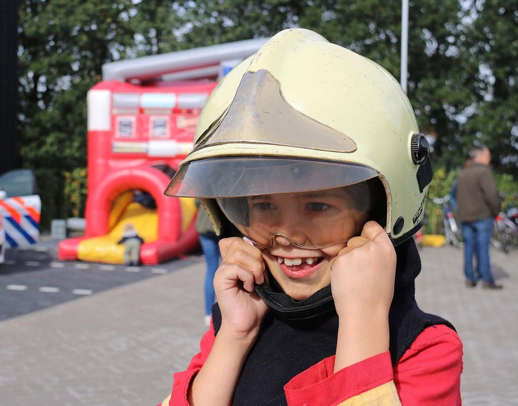 """Martijn Schevers (7) wil later brandweerman worden. """"Dat is goed te combineren met een eigen restaurant,"""" zei hij. Foto: Hanny van Eerden © DPG Media"""