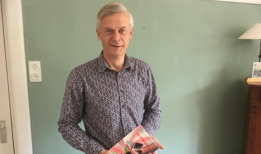 Ds. Schipper schreef de Hartbijbel: kennismaken met de Bijbel vanuit de kern. FOTO: Willemien Lemkes