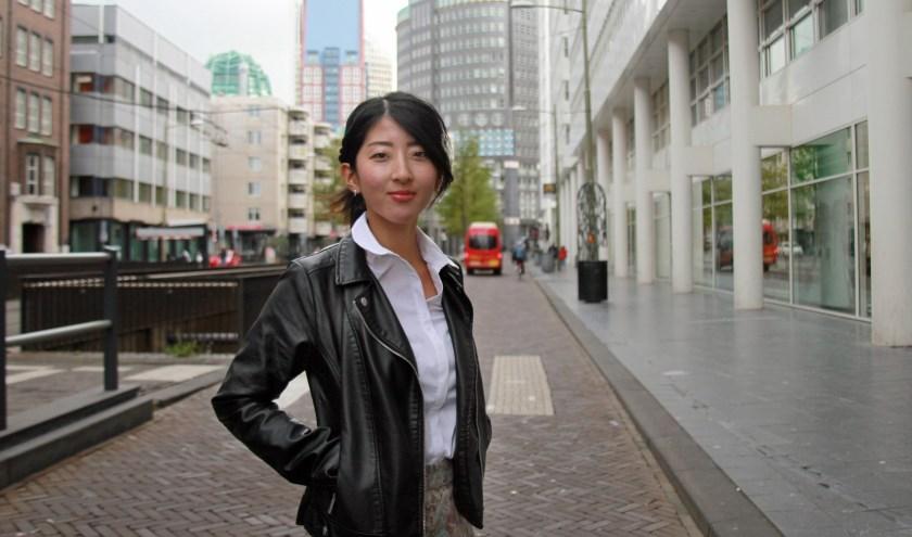 Miyu vindt Den Haag veel meer een stad dan Amsterdam (Foto: Peter van Zetten).