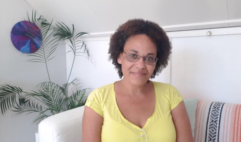 Het gehele interview is zondag van 19.00-20.00 uur te beluisteren via: www.rozoradio.nl/jes en via het Youtube-kanaal: Jessica Voets. Jes!
