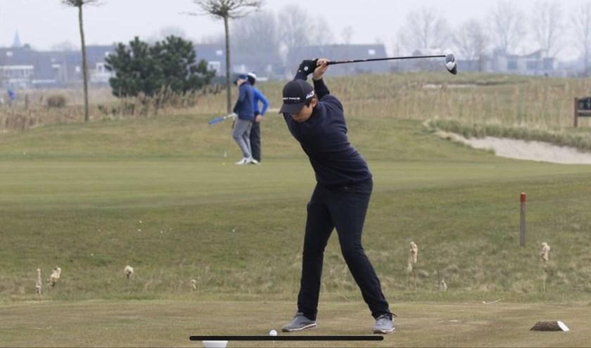 Thijmen in actie (Foto: Golfclub Liemeer).