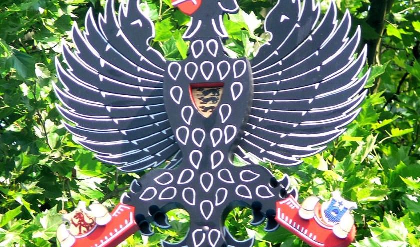 Na 364 schoten was het Ad van Ooijen die het laatste stuk van de houten vogel naar beneden haalde.