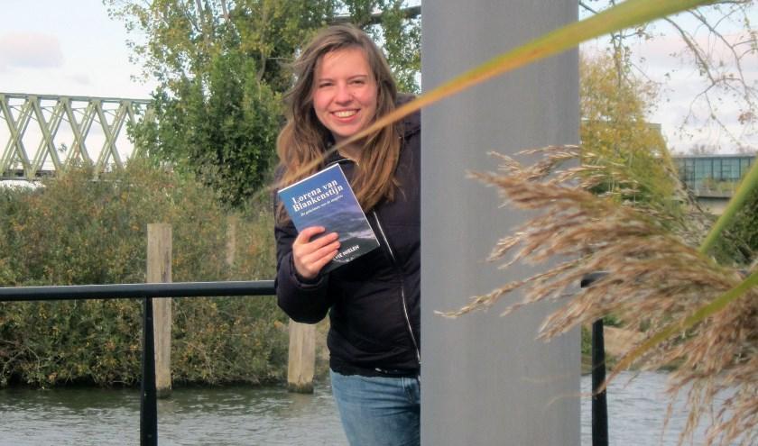 Evie Nielen presenteert het tweede deel van het spannende trilogie op vrijdag 23 november. (foto: eigen foto).