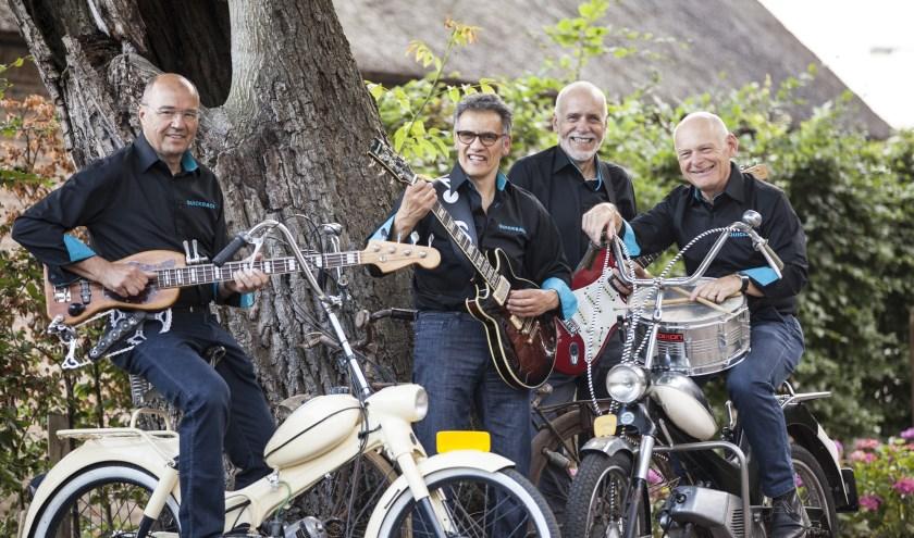 De band Quickback viert het 15-jarige bestaan met een jarn 60 en 70 feest in Den Bosch. Foto: Echt Hetty