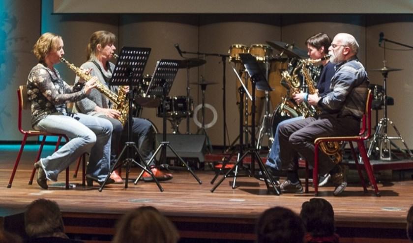 saxofoon ensemble o.l.v. Liane Kuiper