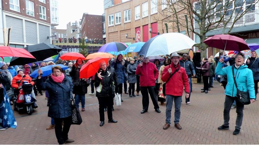 Flash Mob Gezamenlijke Kerken. Foto: Roel van Deursen