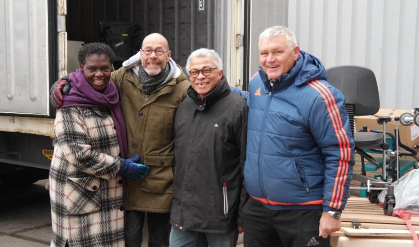 Vlnr: Hilde Eersteling, Steven Vlaming, René Oosterling en Will van Rhee. René is muzikant en tennisser en al vijf jaar actief als vrijwilliger.