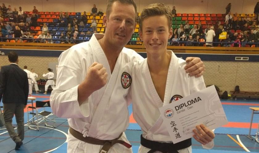 Jorian Verwoert samen met zijn trainingspartner en zijn vader Johan. (Foto: Hans v.d. Hatert)