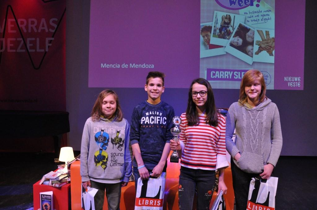 Bij 't voortgezet onderwijs streden Mandy de Klerk (Christoffel), Milan Schram (Michaelcollege), Neris Yavan (Mencia de Mendoza) en Thomas Buijs (Newmancollege) om de titel 'Kampioen Read2Me Breda van 2018'.   © DPG Media