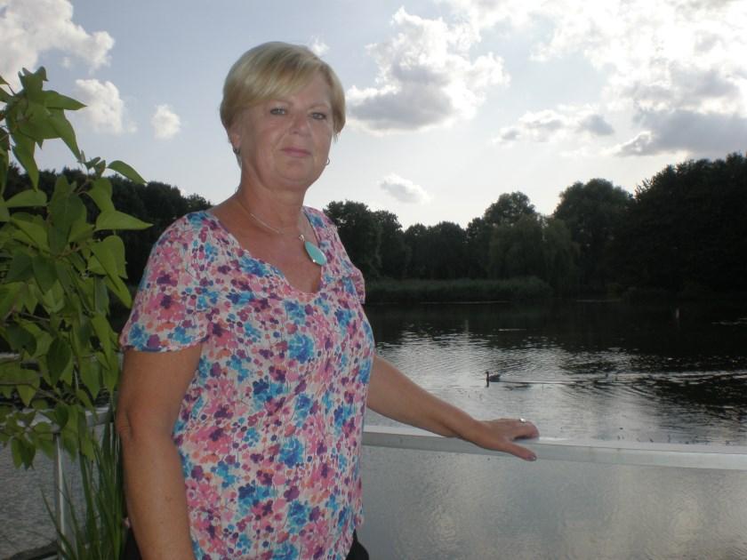 Sophie Dijkgraaff schrijft graag over haar woonplaats Capelle.