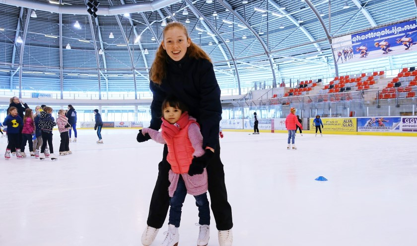Tijdens de Dynamic Dordt Days zijn er snelcursussen voor beginnende schaatsers op de ijsbaan van Sportboulevard Dordrecht.
