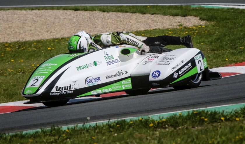 Team Drugsadvies Sidecarshop Racing in actie.
