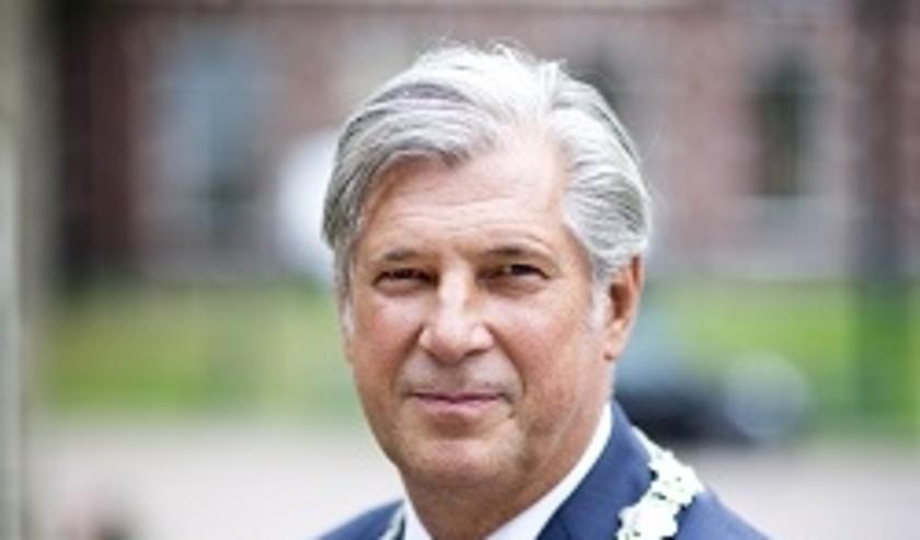 Burgemeester Peter Oskam.