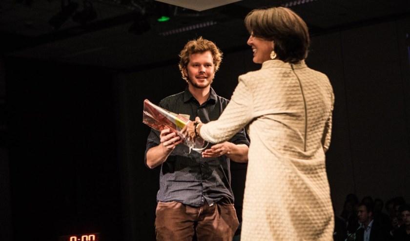 De Nijmeegse student Max Koelemij en Monique Noomen-Greve, CEO van Eiffel.