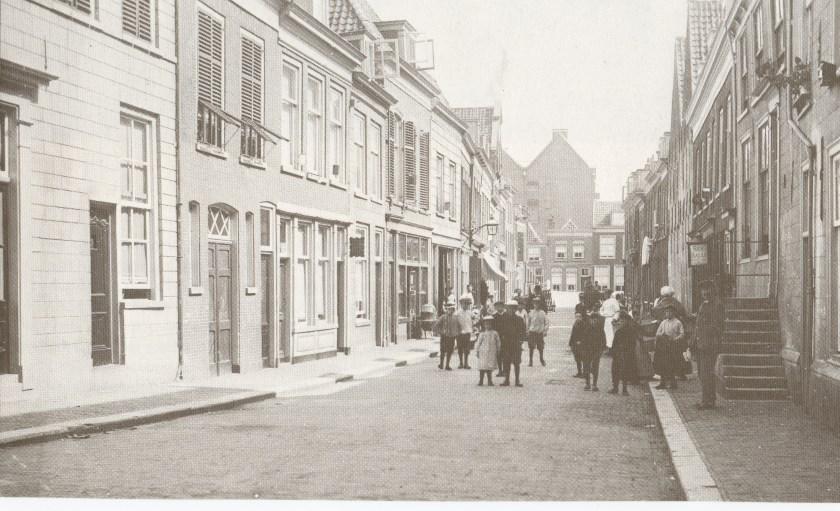 De Molenstraat eind jaren '40.