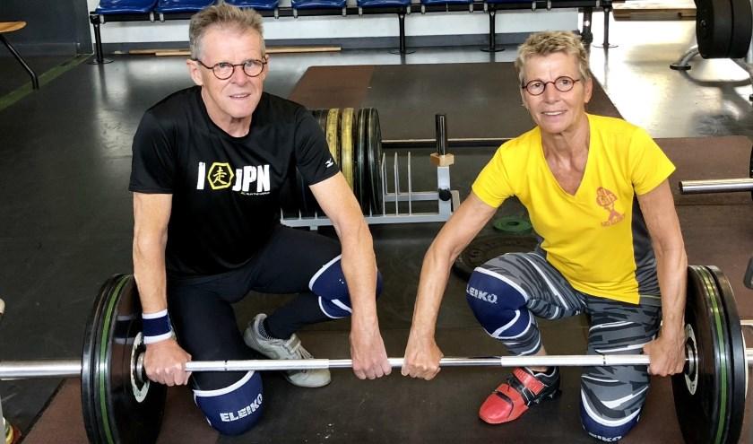 Goud en een zesde plaats voor gewichthefpaar Maria en Henk op het WK gewichtheffen in Barcelona.