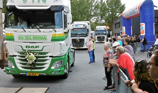 300 trucks deden er mee Foto: Martin Smaling © DPG Media