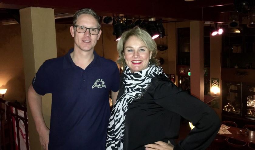 Niek ter Braack van Grand Café Centraal en Getty Schepers, matchmaker van DatingOost.
