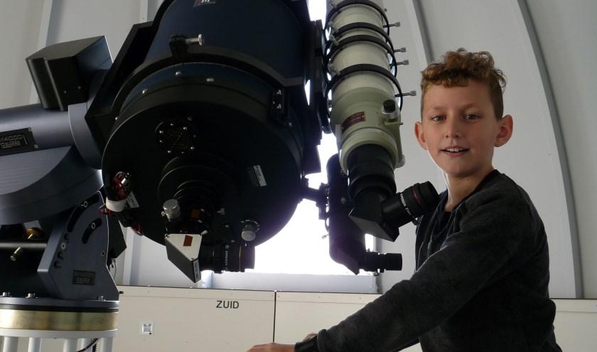 Jongeren leren van alles over het heelal, sterrenstelsels en de ruimtevaart in de nieuwe cursus van de Sterrenwacht.