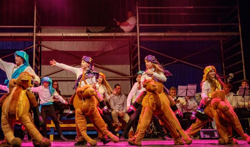 In Theater de Poorterij worden 2 februari de prins, zijn raad van elf, de jeugdprins(es), jeugdraad en het boerenbruidspaar bekendgemaakt.