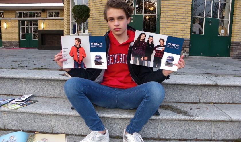 Bram Schuurman (13) heeft een bijbaan als model. Hij is regelmatig te zien in campagnes, commercials en modebladen.