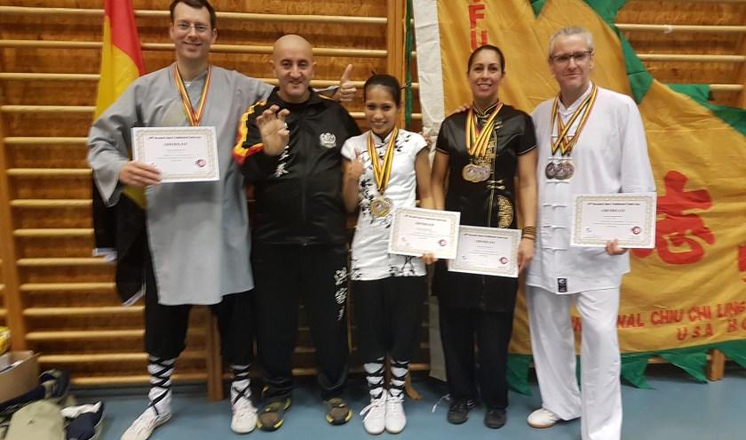 vanaf links: Douwe ter Horst, Said Belabed, Argentina Cotcheza, Laura Bonthuis, Douwe Geluk