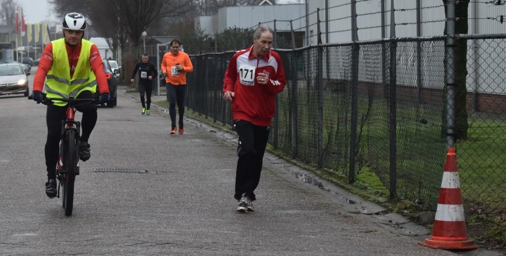 Op de voorgrond J.S.M. Lammertink, gevolgd door Bart Knol en Ronny Rikkert, allen uit Enter.  © DPG Media