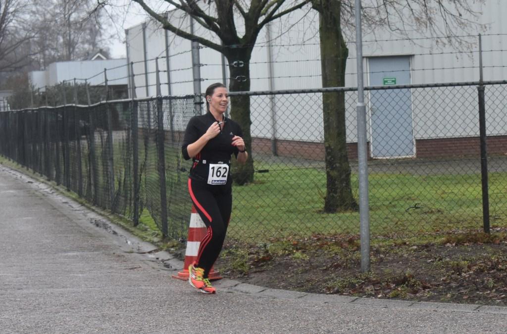 Christa van 't End uit Opijnen behaalde de derde plaats bij de tien kilometer met een tijd van 55.22. Foto:  © DPG Media