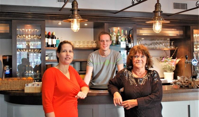 Ankie van den Wittenboer, Rick Speekenbrink en Phia Nay hebben zin in de tweede editie van de Orskôtse Kwis.