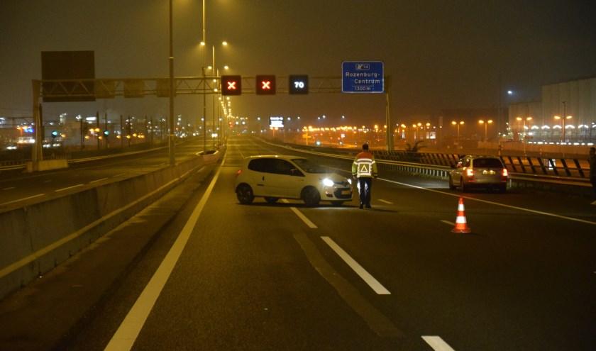 Auto tolt op de snelweg. Foto en tekst: AS Media