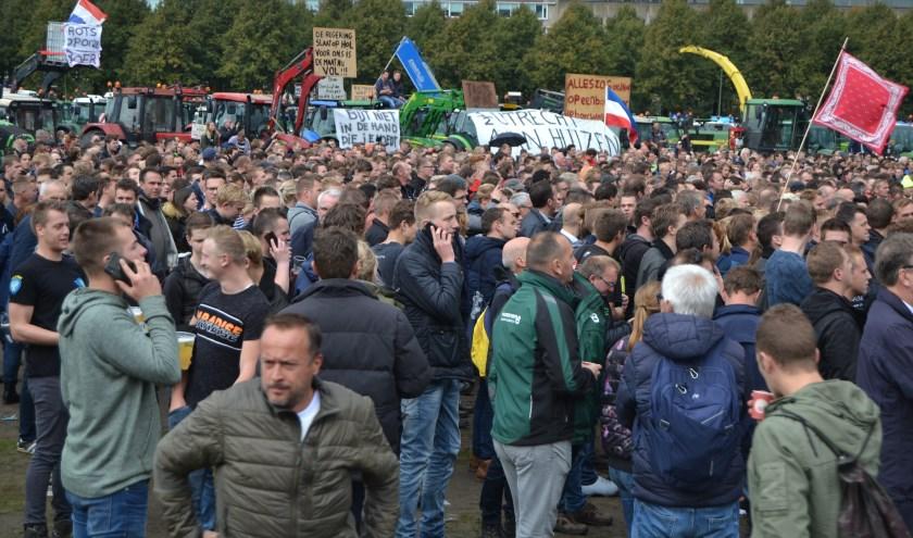 Duizenden boeren uit heel Nederland kwamen naar Den Haag om te demonstreren. Foto: Karin Stronks