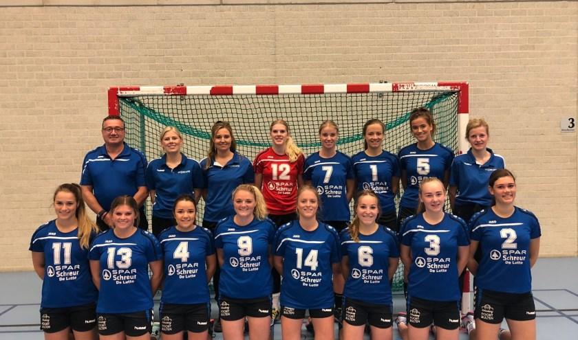 De handbalsters van SV De Lutte nemen het zaterdag thuis op tegen Hacol 2.