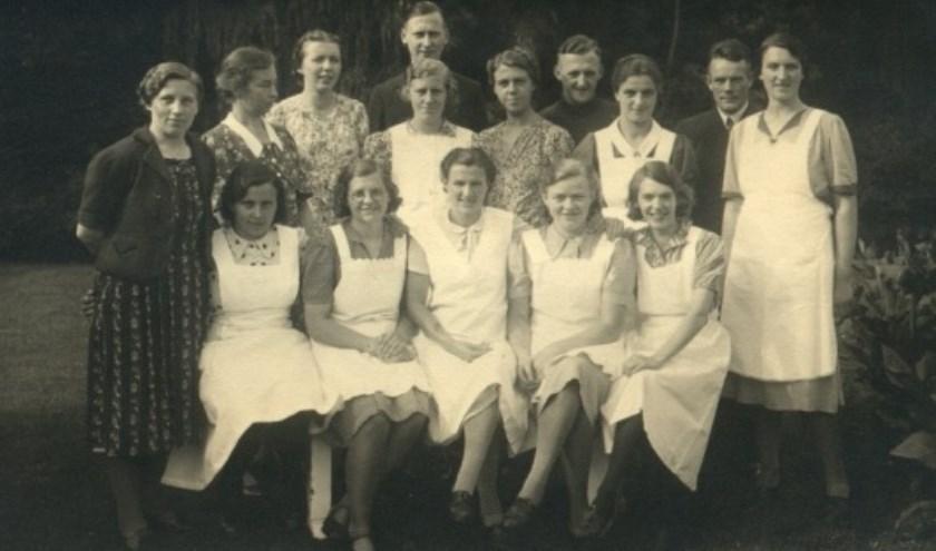 Dienstmeisjes op Huis Doorn ten tijde van het verblijf van ex-keizer Wilhelm II. (Foto: Huis Doorn)