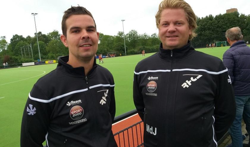 Aanvoerder Laurens (l) en coach Martijn de Jongh van RHC heren 1