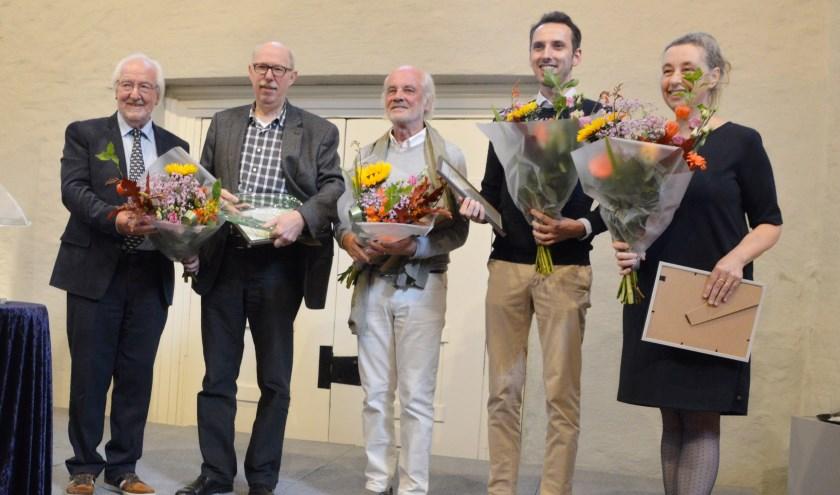 Van links naar rechts: Aftredend voorzitter Sherry van der Velden, Alois van Doornmalen, Paul van Dijk, Roland Gieles en Mieke Sanders.