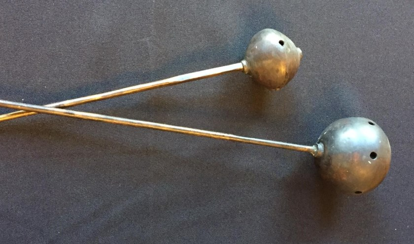 De bronzen naalden uit De Dellen zijn 2.500 jaar oud. De bijzondere vondst staat centraal tijdens Archeologiedag in Heerde.