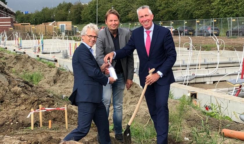 Wethouder Gijs van Leeuwen (gemeente Zaltbommel), Frank Wigbers (locatiemanager BPD en Hein Stooker (directeur Trebbe).