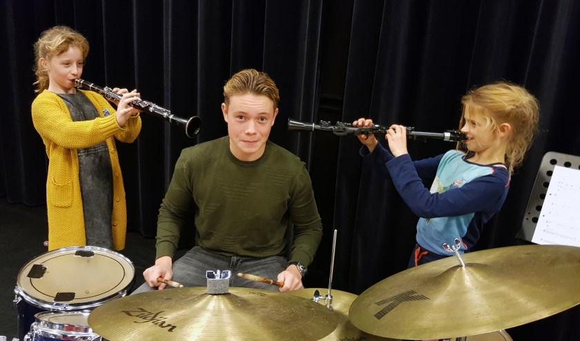 Bloem en Merel zitten nog niet zo lang op les en Jamie bereidt zich al voor op een muziekcarrière.