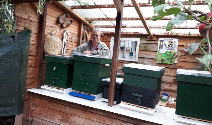Rob Vrijlandt: 'Imkeren is helemaal hot. Zelfs als je op een flat woont kun je imkeren en een bijencursus volgen.'
