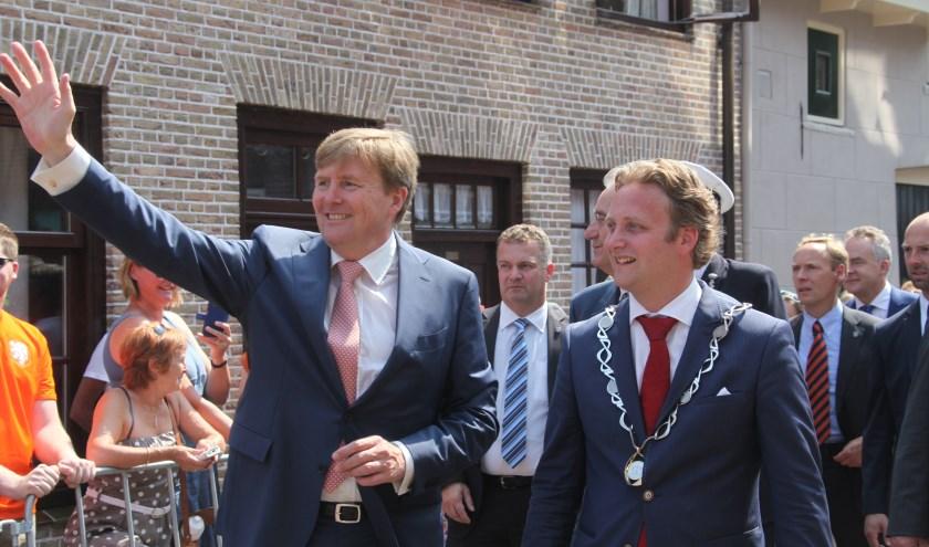 Het hoogtepunt van de ambtsperiode in Oudewater was ongetwijfeld het bezoek van Koning Willem Alexander. (Archieffoto: Alex de Kuijper)