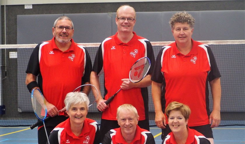 Het recreantenteam van Badmintonclub Holten. (Eigen foto).
