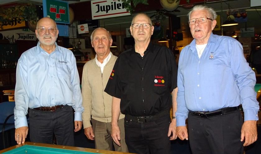 De 4 Finalisten: v.l.n.r. Gerrit van Roekel, Winnaar A: Janus de Hoogh, Winnaar B: Gerard Kieboom en Bram Speijer