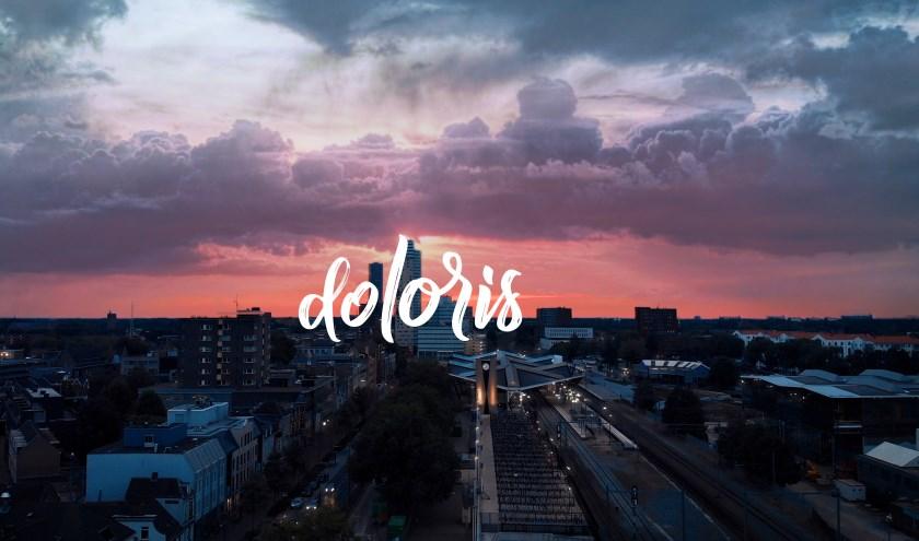 De Jongeren Pitch Night vindt plaats bij Doloris. Deze inspirerende plek biedt het perfecte decor om je toffe ideeën voor Tilburg te vertellen.