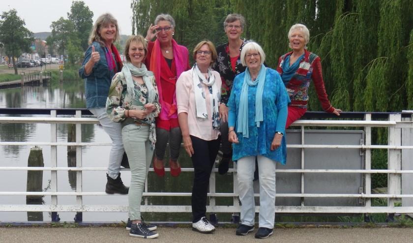 Vocaal ensemble Embrace treedt op in De Wingerd. Foto Eigen foto
