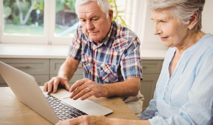 In het DigiCafé kan iedereen hulp krijgen bij vragen over alle vormen van digitale apparatuur.