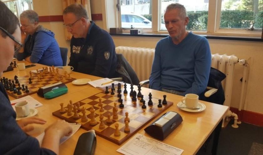 Benno van der Veen op bord 4 won met zwart tegen Wouter Visser.