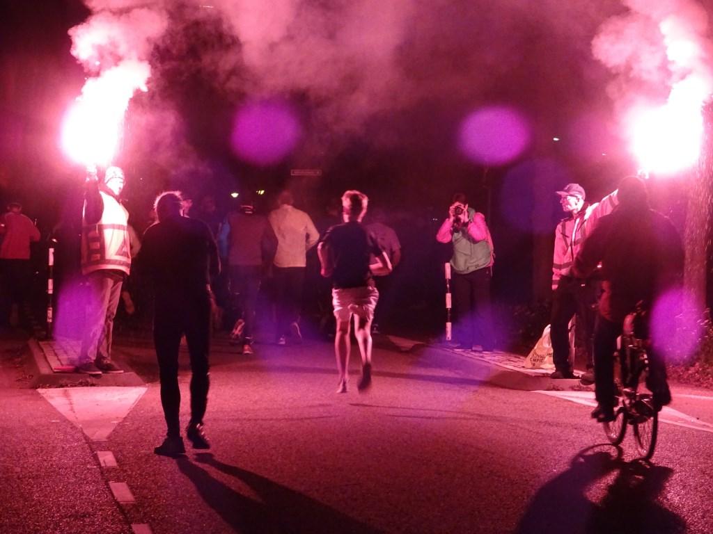 Ook tijdens de laatste editie van de Bergrace By Night zal er veel sfeer zijn. Foto: Dick Martens © DPG Media